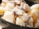 Рецепта Вегетарианска яхния от картофи, гъби печурки и топено пушено сирене